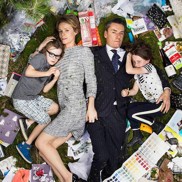 12 шокирующих фото мусора, который люди производят за 7 дней