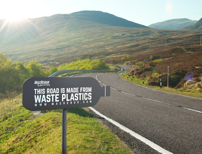 В Шотландии начали делать дороги из пластиковых бутылок и пакетов