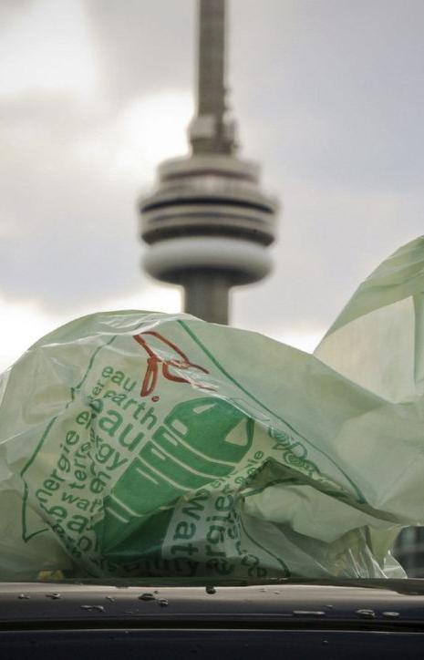 Торонто планирует отказаться от одноразового пластика