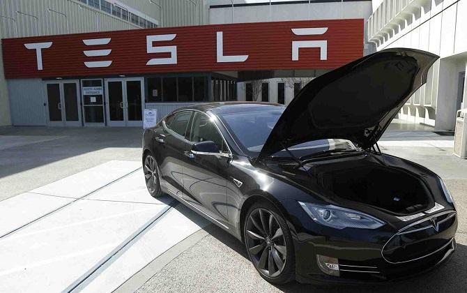 Tesla построит «Гигафабрику аккумуляторов» и снизит стоимость электромобилей