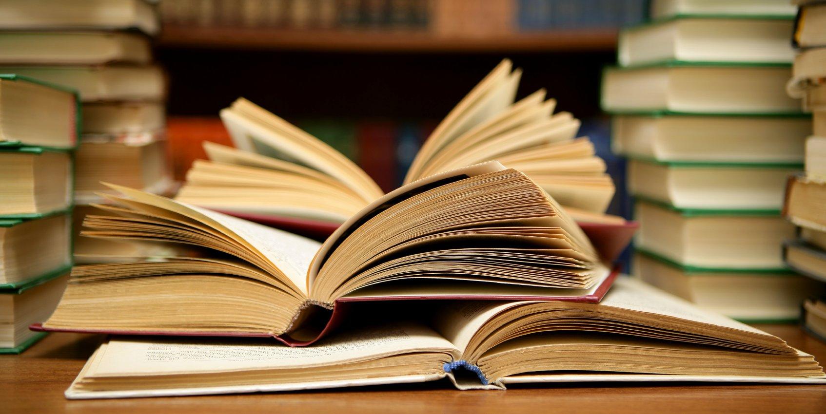 В «Циферблат» на Тверской можно сдать ненужные книги и макулатуру