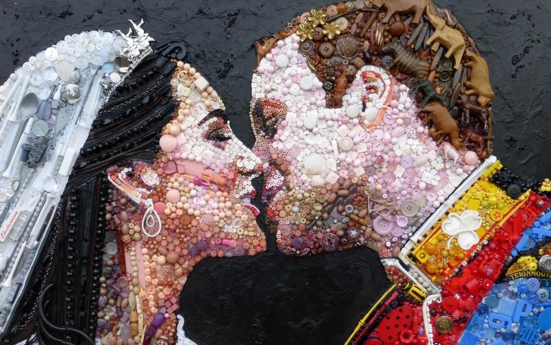 Британская художница делает картины из мусора