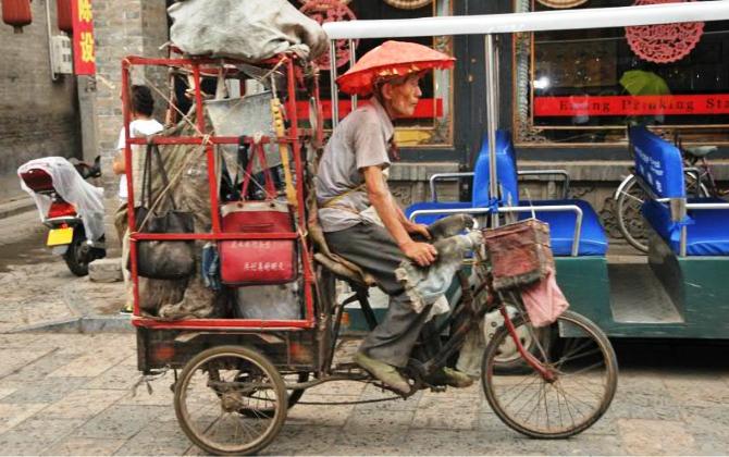 Как сортируют и перерабатывают мусор в Китае