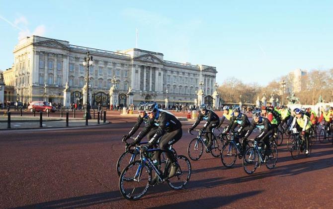 Велосипедную трассу построят у Букингемского дворца