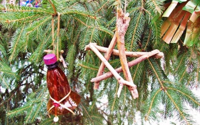Москвичей научат делать новогодние игрушки из вторичных материалов