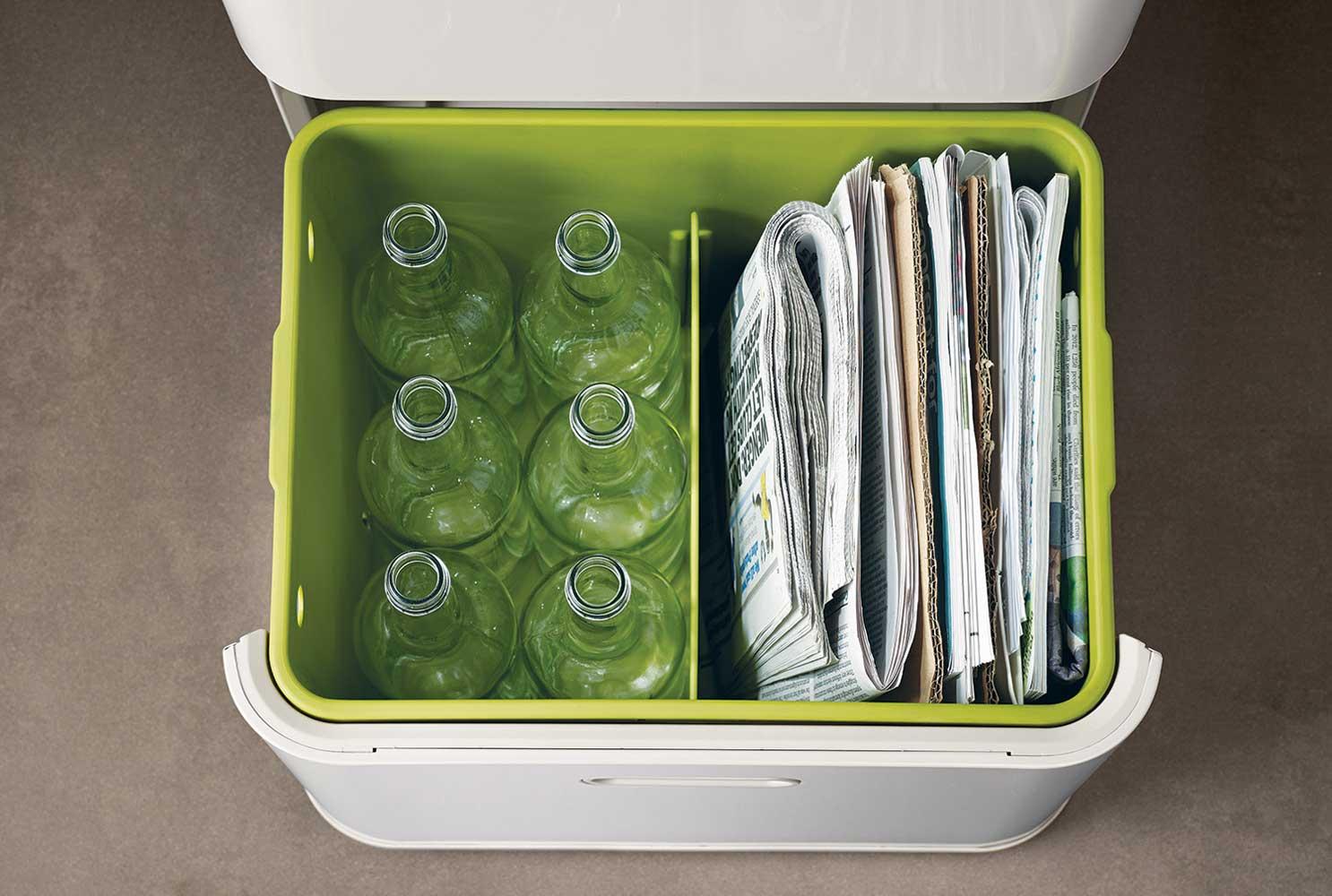 10 необычных контейнеров для сортировки мусора дома