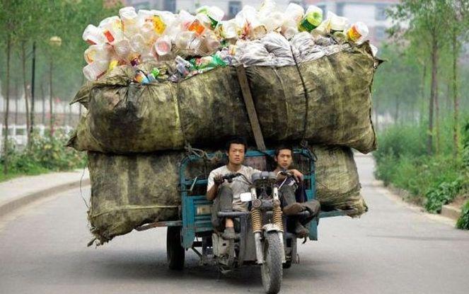 В интернете действует соцсеть волонтеров для вывоза раздельного мусора