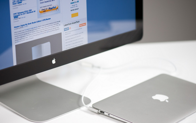 Apple начнет выпускать гаджеты с энергосберегающими дисплеями