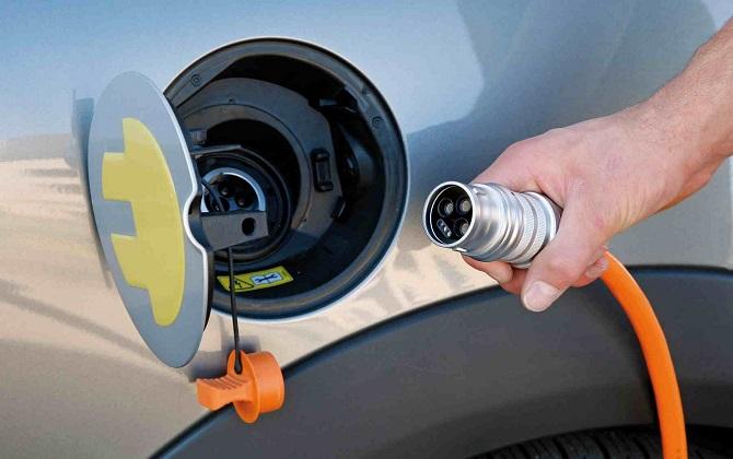 Зарядные станции для электромобилей построят в Псковской области