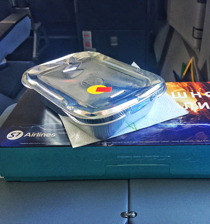 S7 Airlines начали сортировать отходы в самолетах
