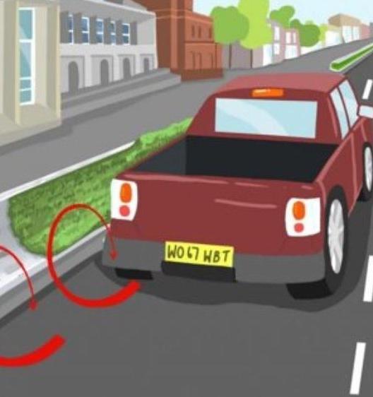 Необычный барьер защитит пешеходов от выхлопов
