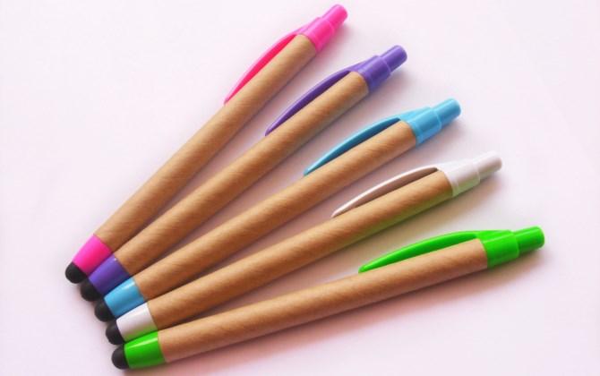 В Дарвиновском музее научат делать ручки из макулатуры
