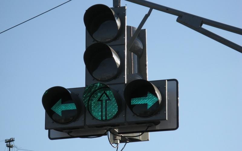 Почти все светофоры Петербурга переведены на светодиоды
