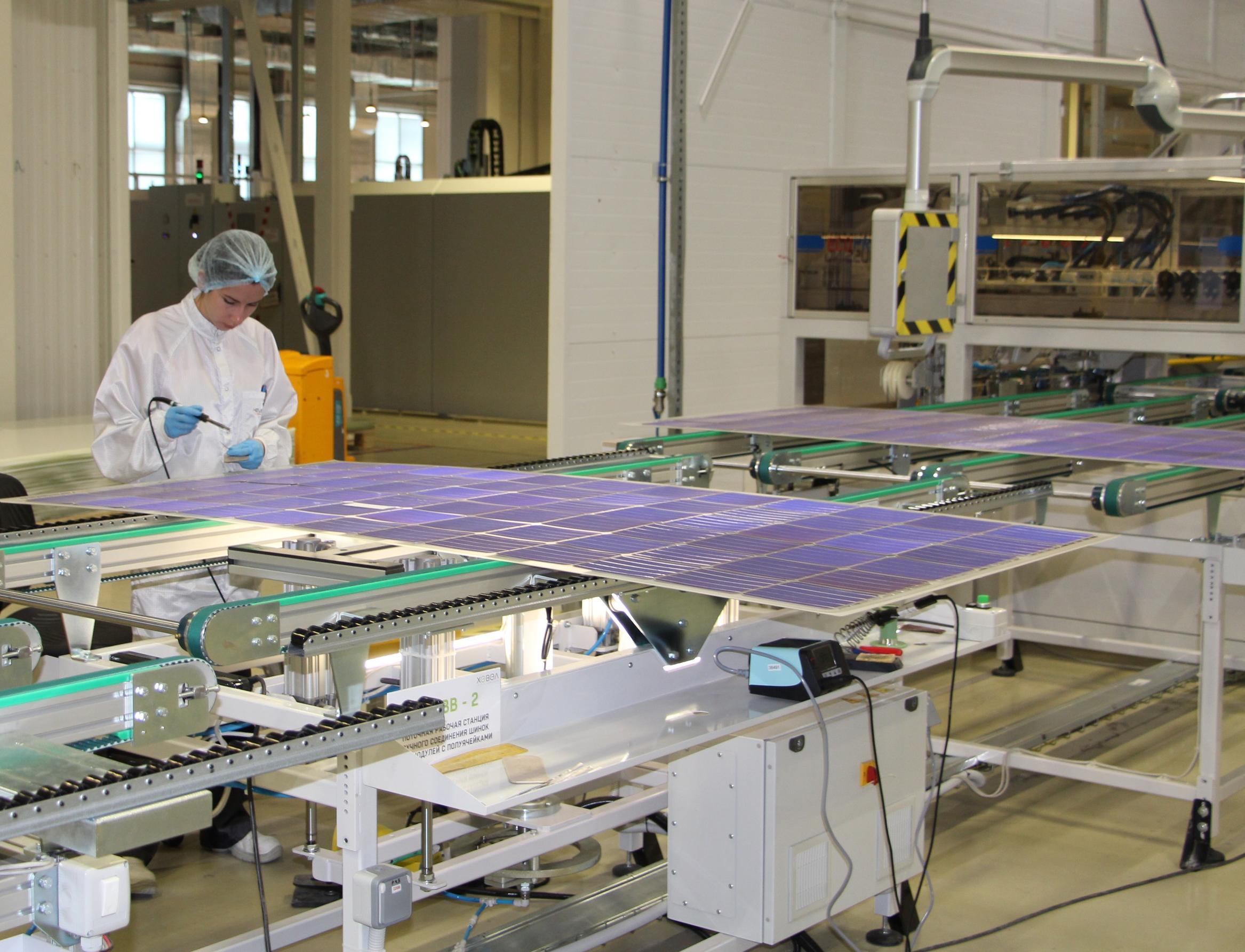 Завод по производству солнечных панелей перейдет на 100% ВИЭ