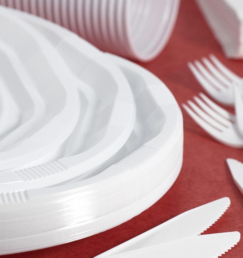 В кафе и ресторанах Беларуси запретят одноразовую посуду
