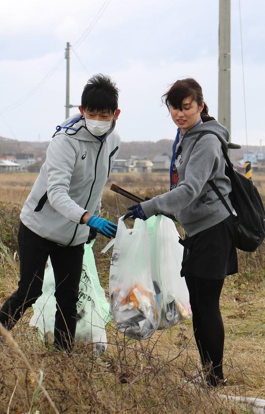 Экоактивисты Санкт-Петербурга научат японцев убирать мусор