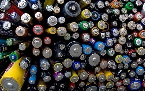 Контейнеры для сбора батареек можно получить через интернет