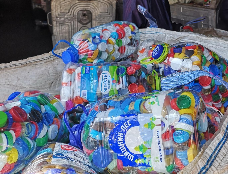 «Добрые крышечки» и сортировка московских отходов: Recycle в гостях у ЭкоЛайн