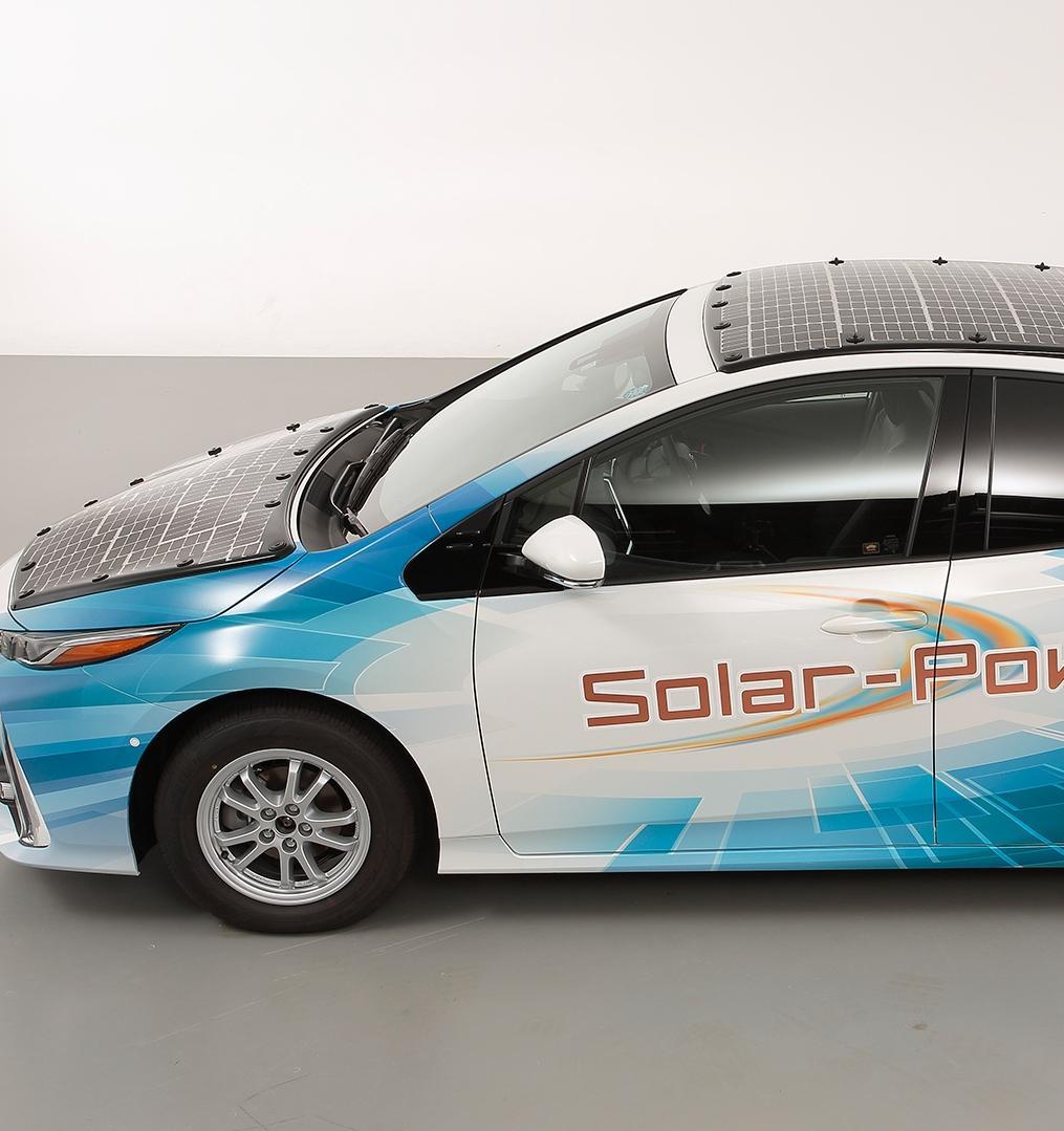 Проходят тестирования Toyota Prius на солнечных батареях