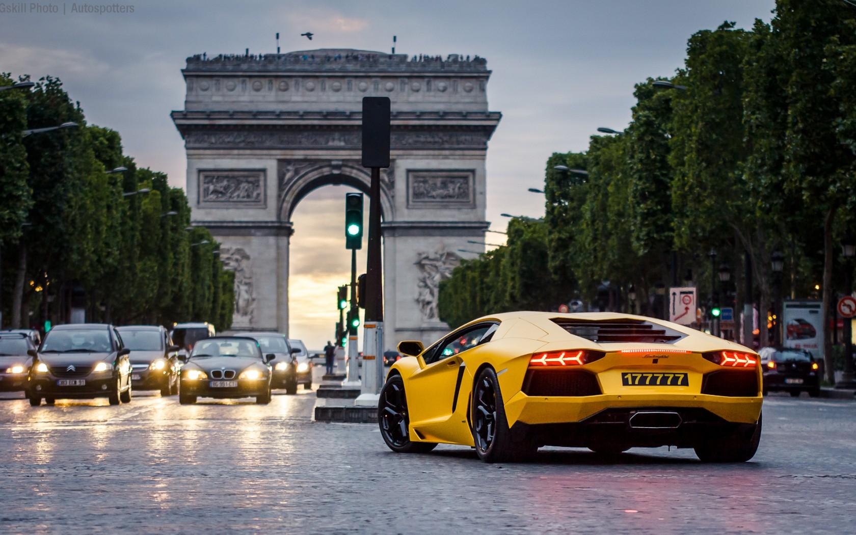 Париж запретит автомобили с двигателями внутреннего сгорания к 2030 году