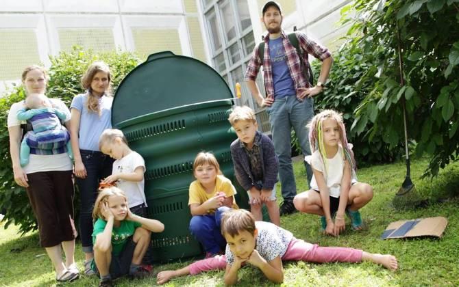 Московские школьники установили компостеры для пищевых отходов в своей школе
