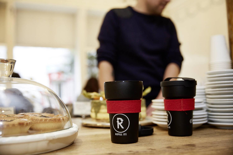 В Петербурге запустили кампанию за использование многоразовых кружек для кофе