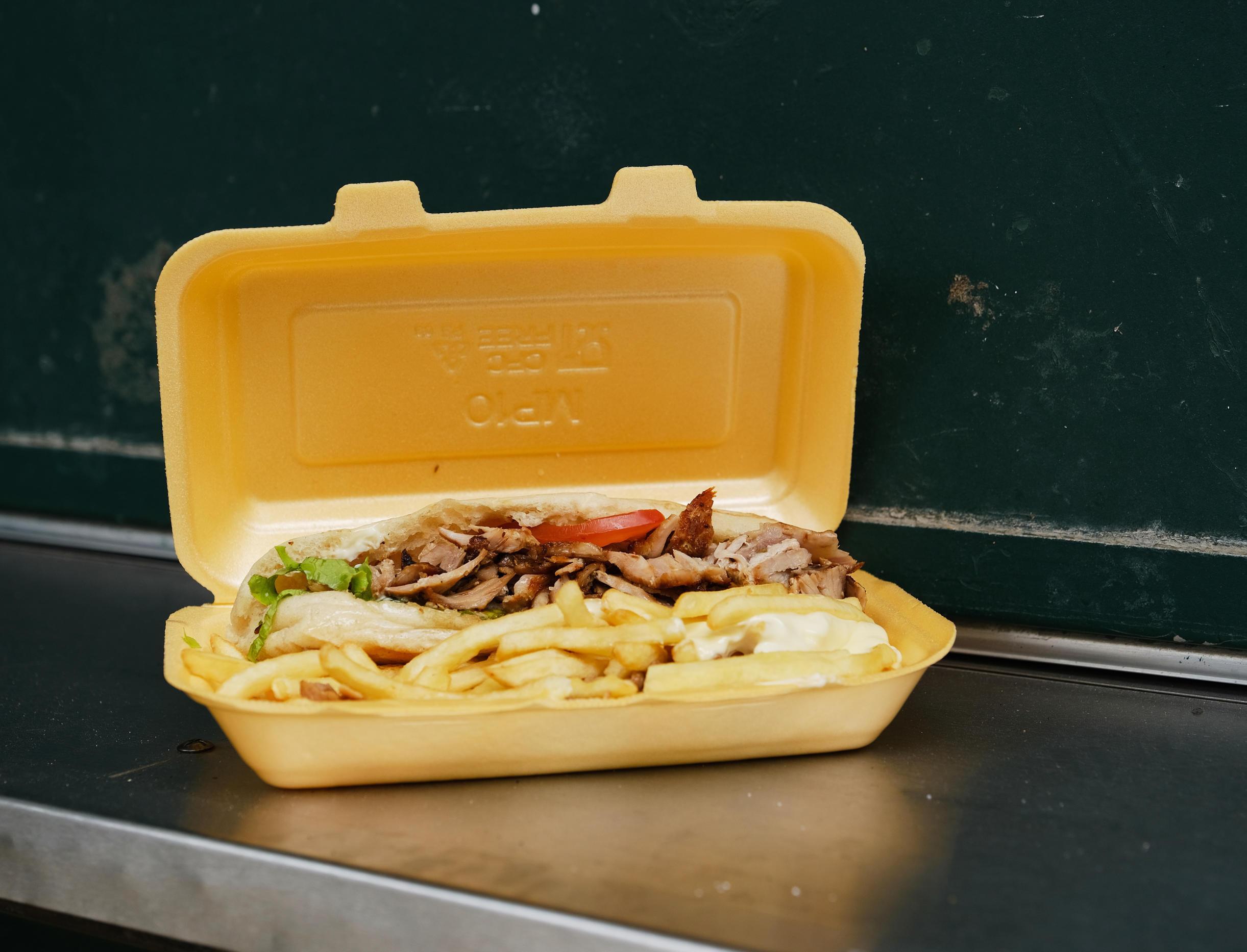 Во Франции вступил в силу запрет на пищевые контейнеры из полистирола
