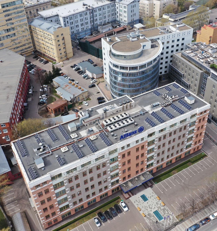 Allianz в России установил солнечные панели на крыше своего офисного здания в Москве