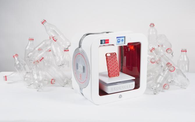 3D-принтер от Coсa-Cola и Will.I.Am печатает бутылками из-под газировки