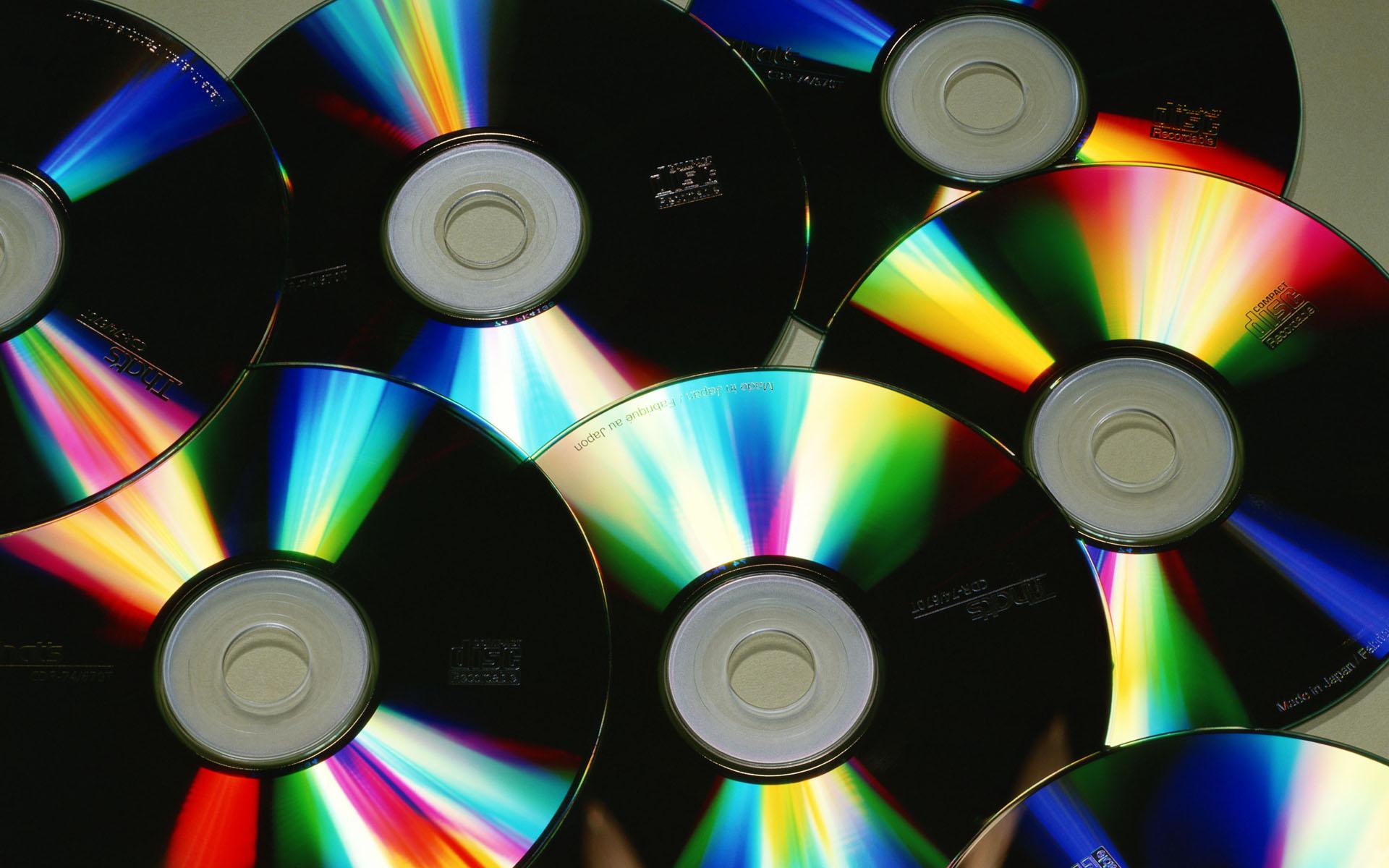 Вопрос дня: что делать со старыми видеокассетами и CD-дисками