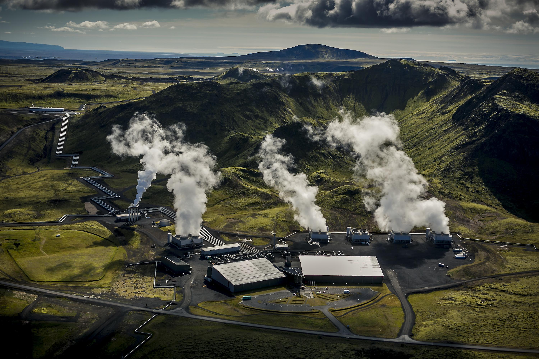 На геотермальной электростанции в Исландии научились превращать СО2 в камень