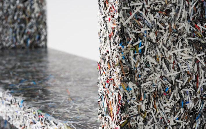 Переработка дня: мебель из измельченной бумаги