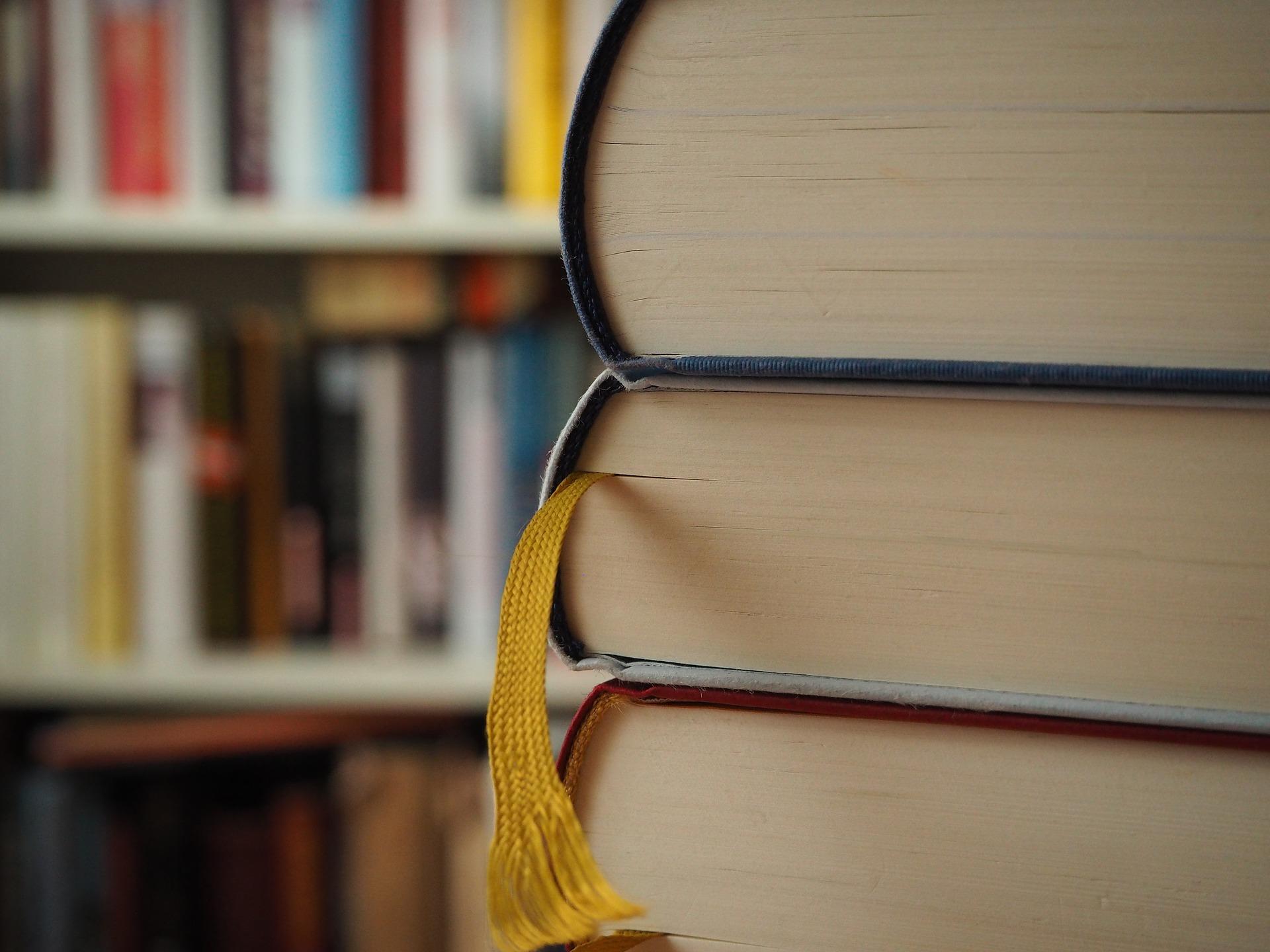 На книговороте можно бесплатно обменяться книгами, альбомами, открытками и дисками
