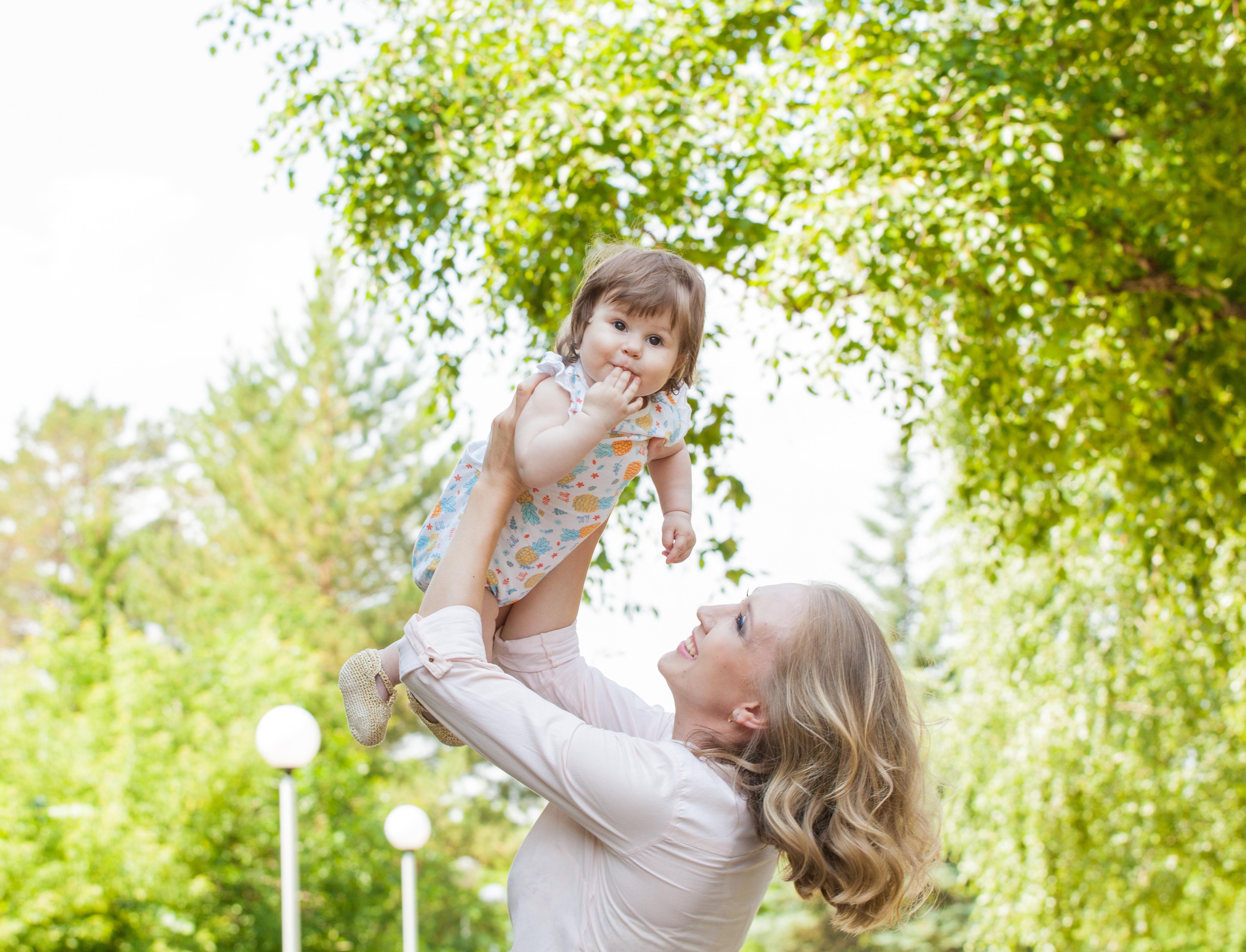 5 способов сделать прогулку с ребенком экологичной