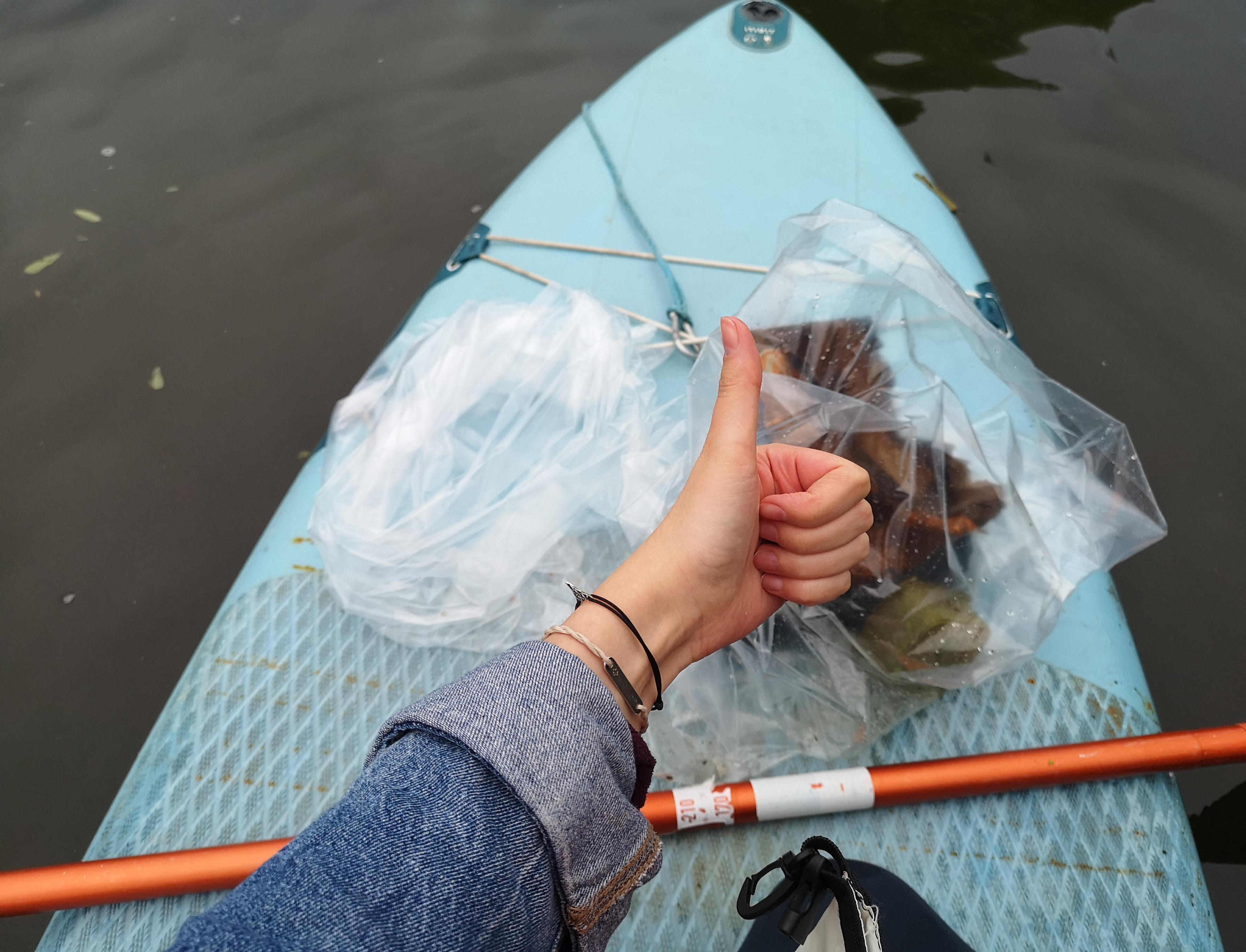 Экологический SUP-патруль: как в Коломне с помощью лодок и весел очищают реки