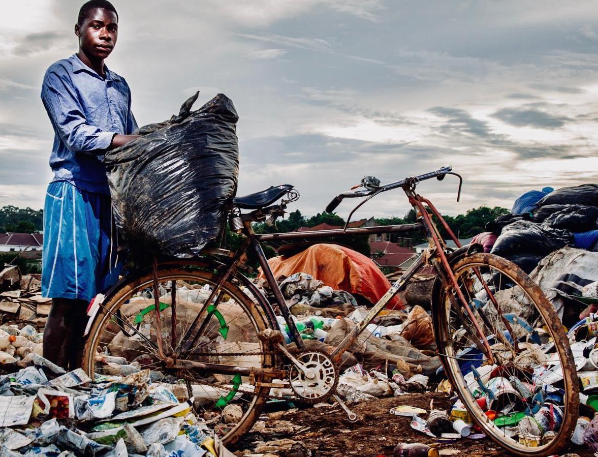 В Танзании запретят пластиковые пакеты