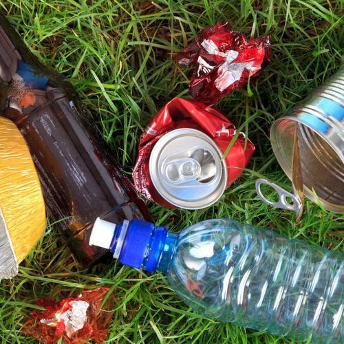 10 экологичных вещей из переработанного мусора