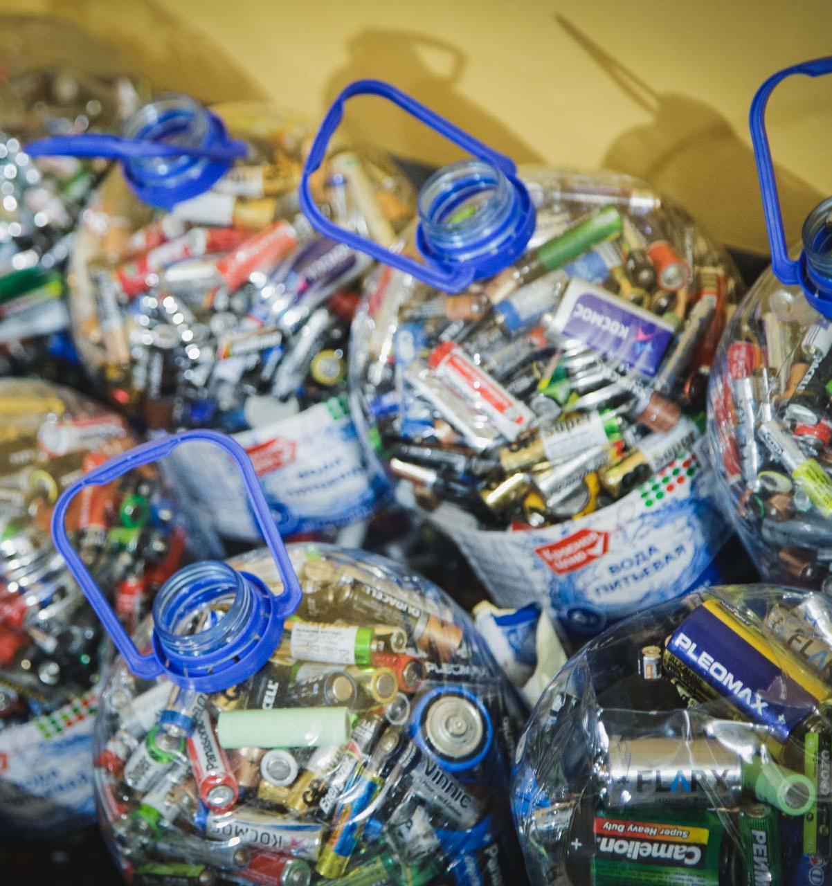 В Новосибирске поменяют батарейки на конфеты