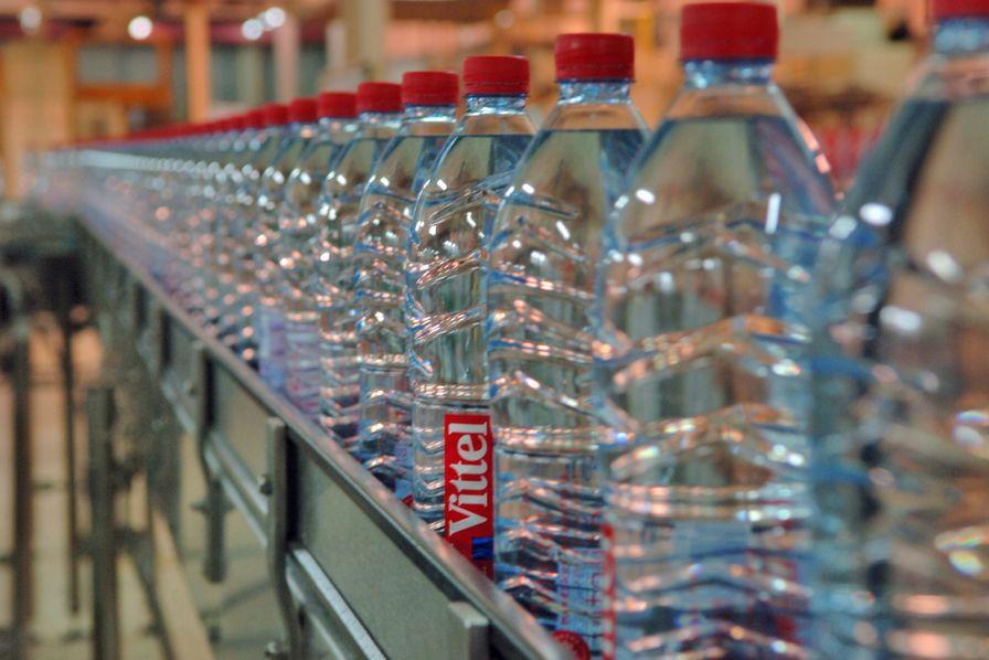 Nestlé будет перерабатывать или вновь использовать всю свою упаковку