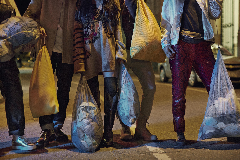 Как в H&M запустили новую кампанию Bring It по сбору ненужной одежды