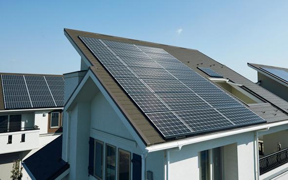Как целый город перешел на солнечные батареи и отказался от бензина