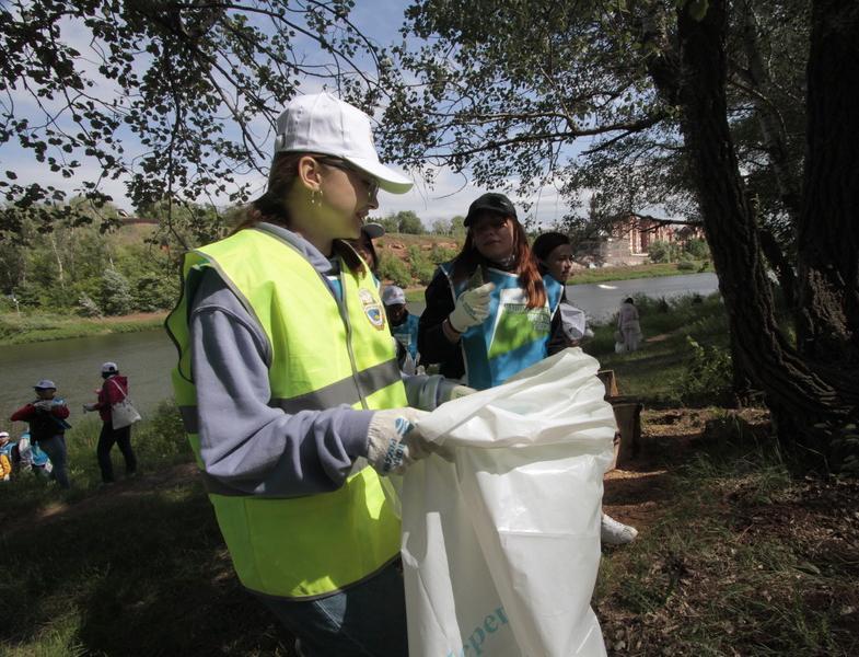 В различных регионах России состоялись субботники по очистке водоемов