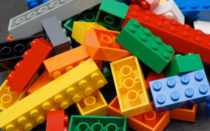 Зеленая Школа в Парке Горького принимает ненужные детали LEGO