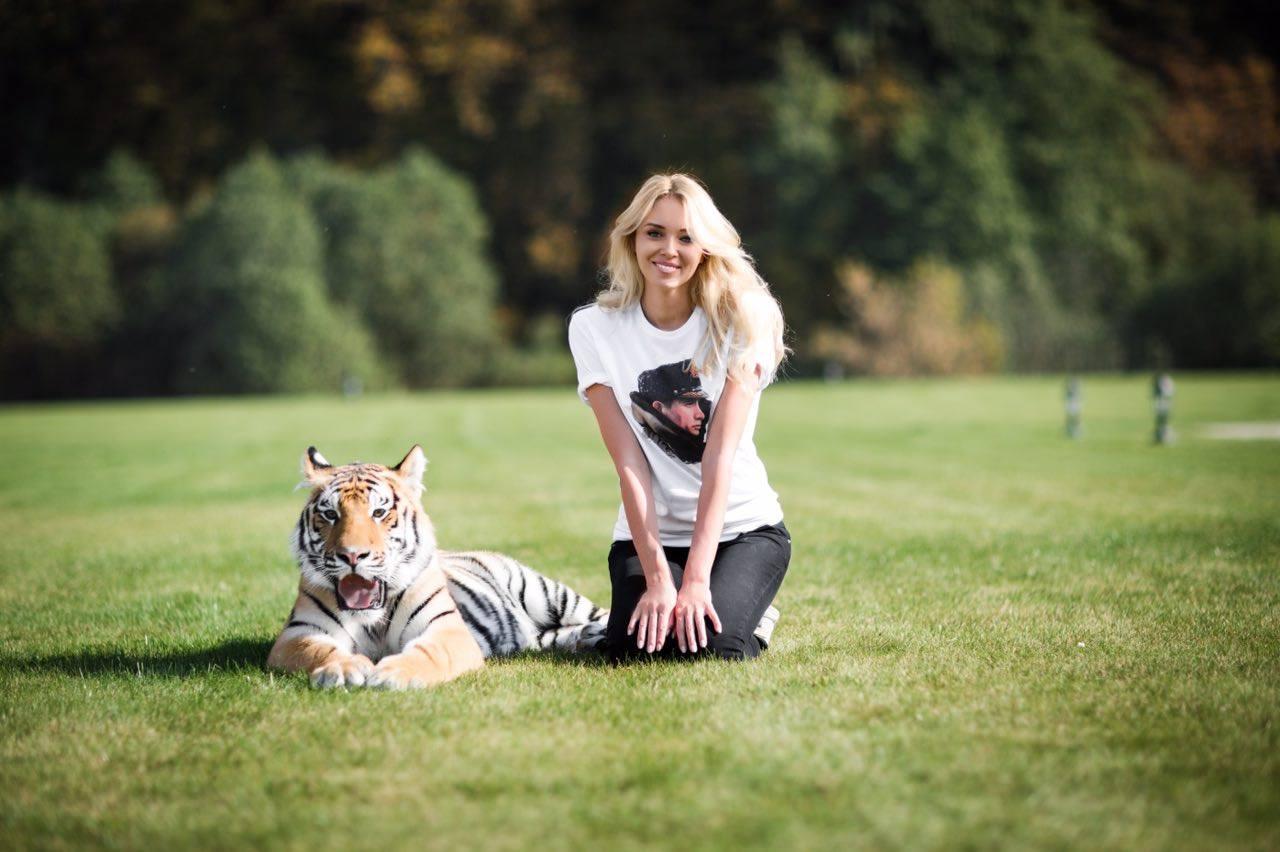 Мисс Мира попросила Путина спасти тигренка