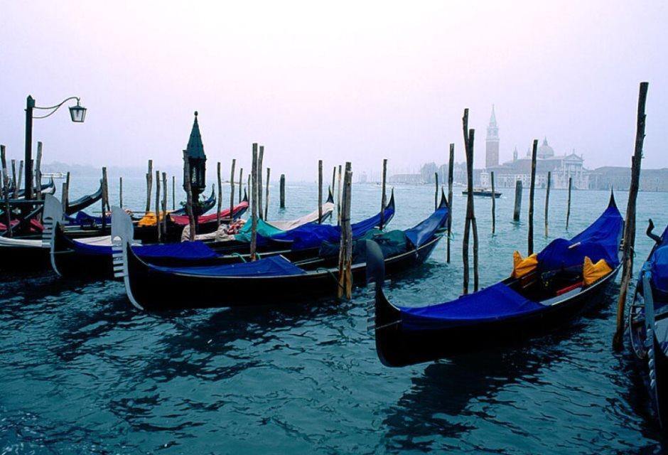 В Венеции топливные моторные лодки заменят на электрические