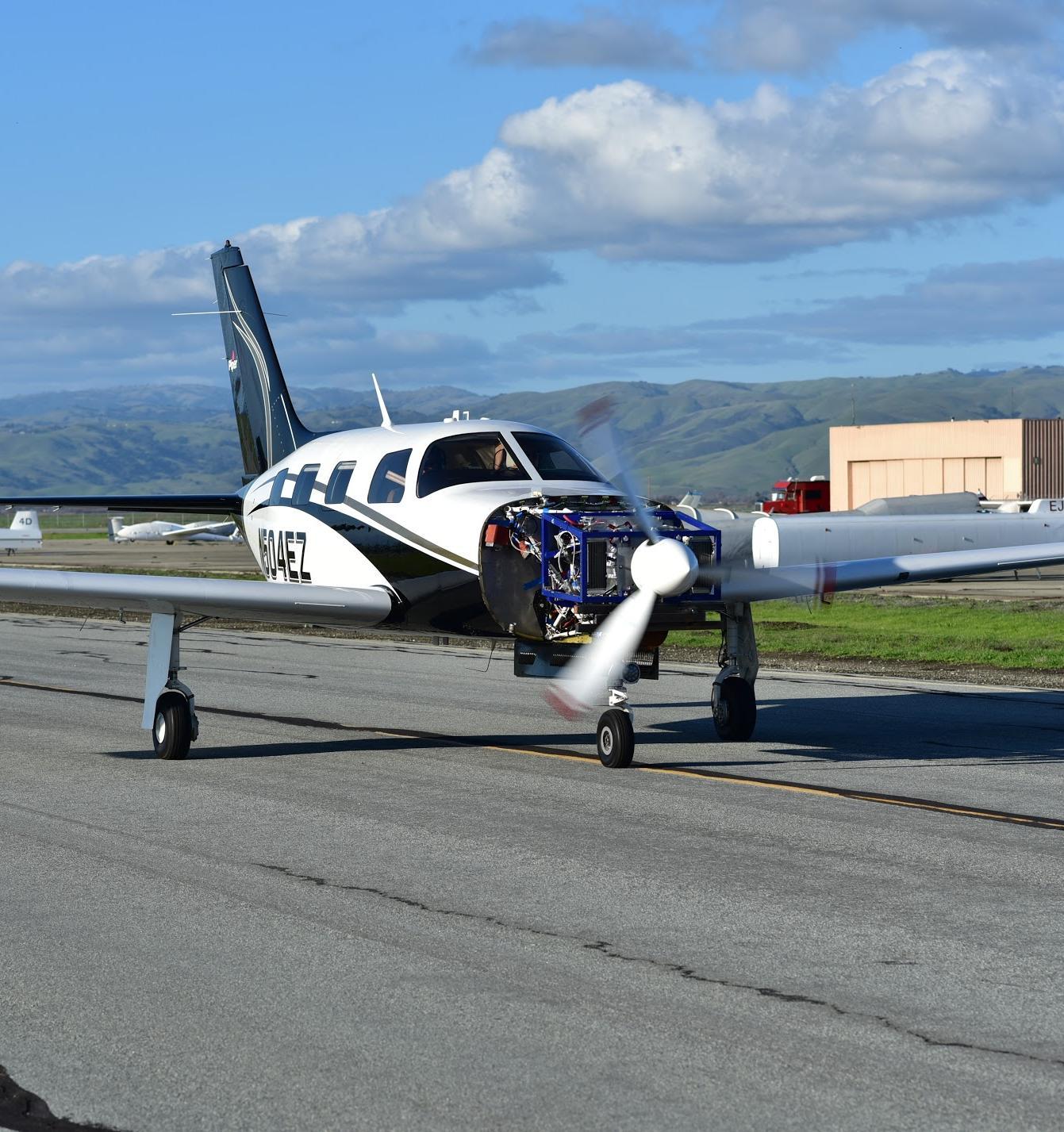 Водородный самолет совершил первый полет