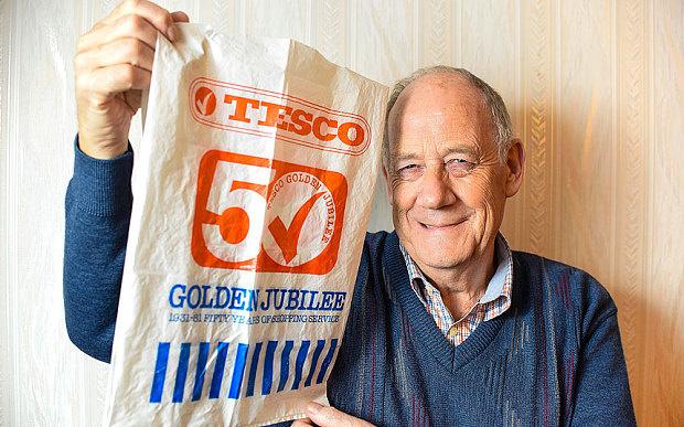 Британец ходил за покупками с одним полиэтиленовым пакетом 36 лет