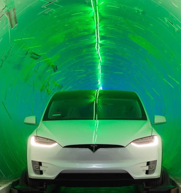 Фотогалерея: Илон Маск показал, как по тоннелю Boring Company можно ездить на Tesla