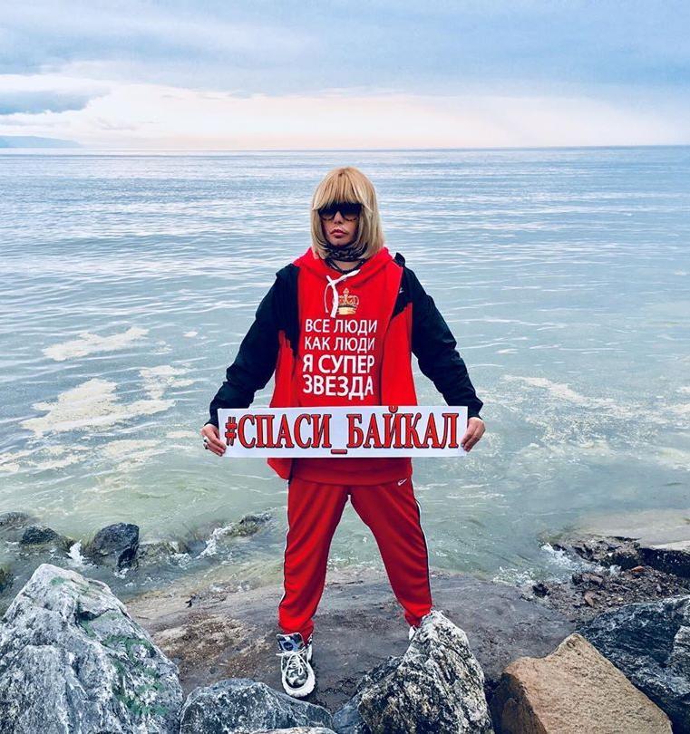 Сергей Зверев продолжает привлекать внимание к экологии Байкала