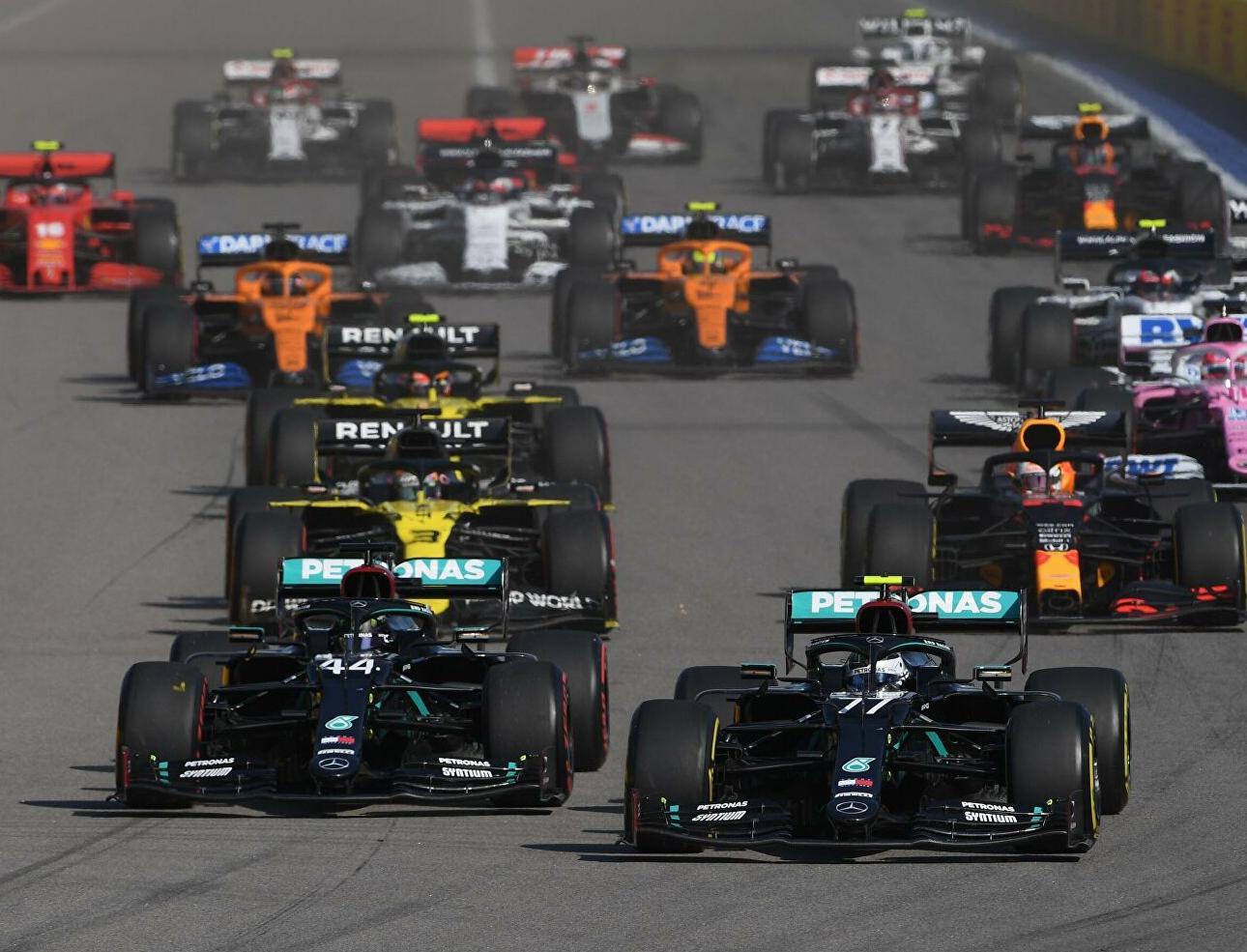 На соревнованиях Формулы-1 не будет пластиковых бутылок для воды